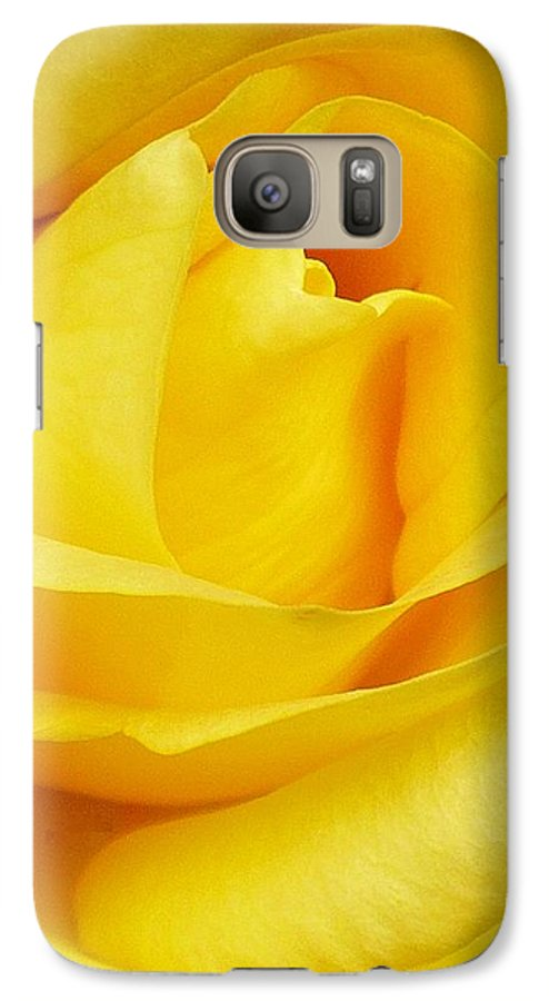 Botanical Galaxy S7 Case featuring the photograph Buttercup Rose by Florene Welebny