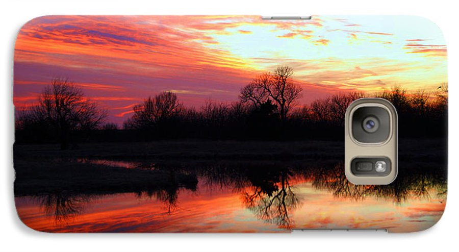 Clouds Galaxy S7 Case featuring the photograph Calming Sunset by Larry Keahey