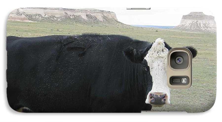 Rural Galaxy S7 Case featuring the photograph cattle at Pawnee Butte Colorado by Margaret Fortunato
