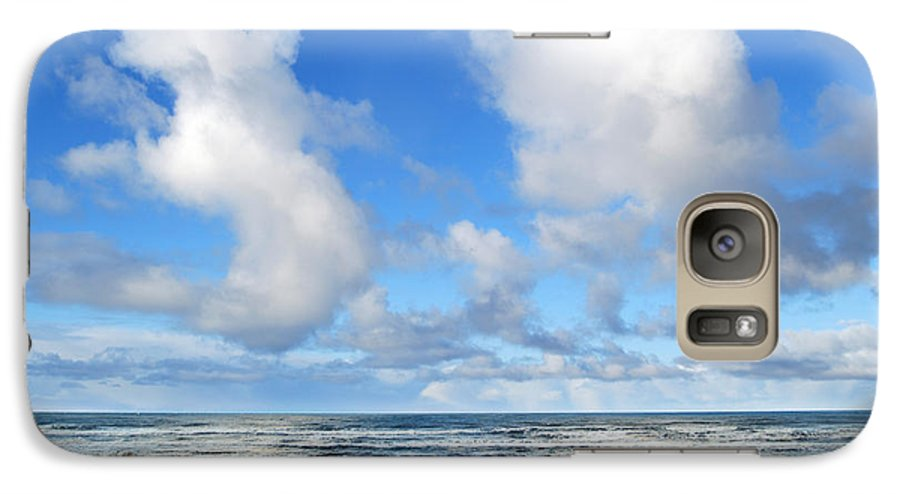 Ocean Galaxy S7 Case featuring the photograph Clouds At Play by Larry Keahey