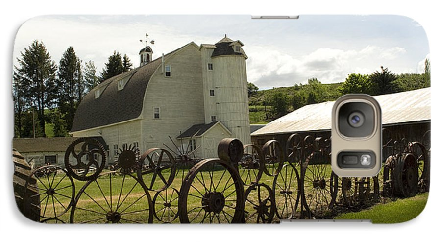 Historic Barn Galaxy S7 Case featuring the photograph Dahmen Barn by Louise Magno