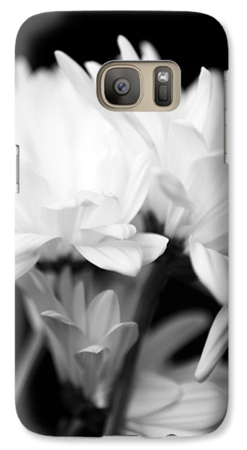 Floral Galaxy S7 Case featuring the photograph Daises In Black And White by Ayesha Lakes