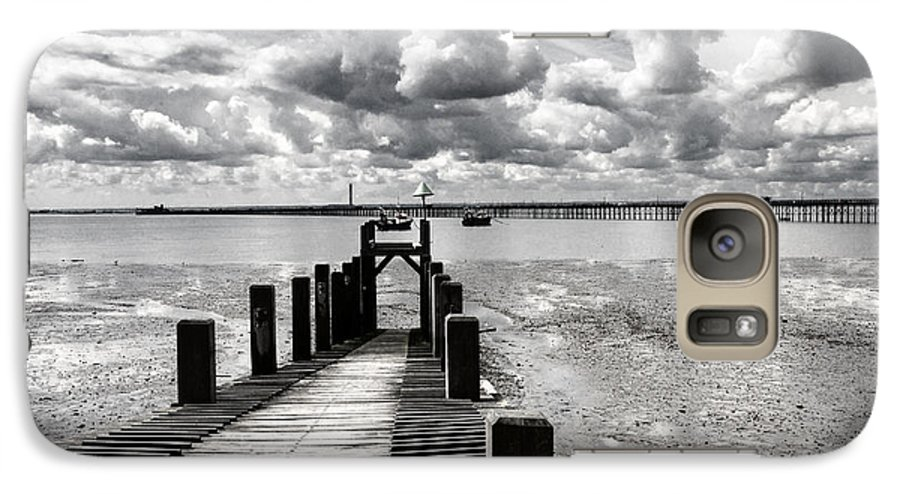 Wharf Southend Essex England Beach Sky Galaxy S7 Case featuring the photograph Derelict Wharf by Sheila Smart Fine Art Photography