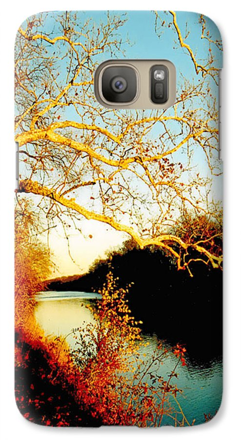 River Galaxy S7 Case featuring the photograph Fall At The Raritan River In New Jersey by Christine Till