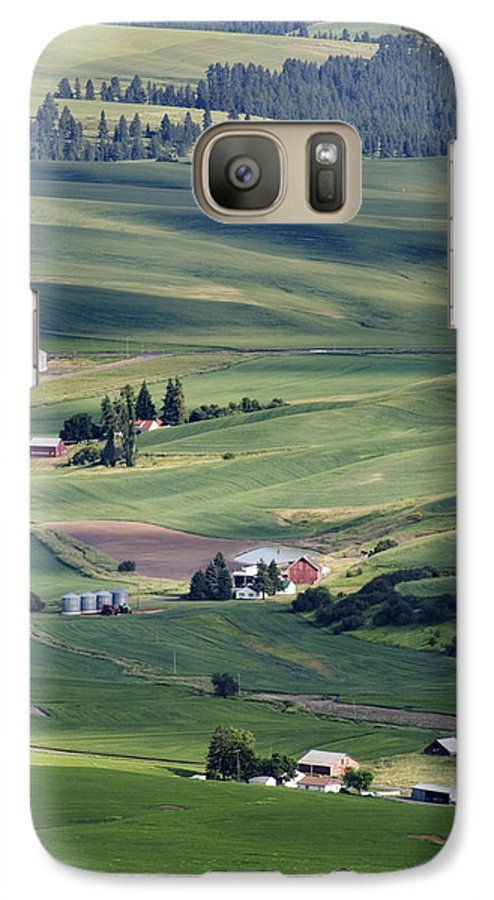 Fertile Galaxy S7 Case featuring the photograph Farmland In Eastern Washington State by Carl Purcell