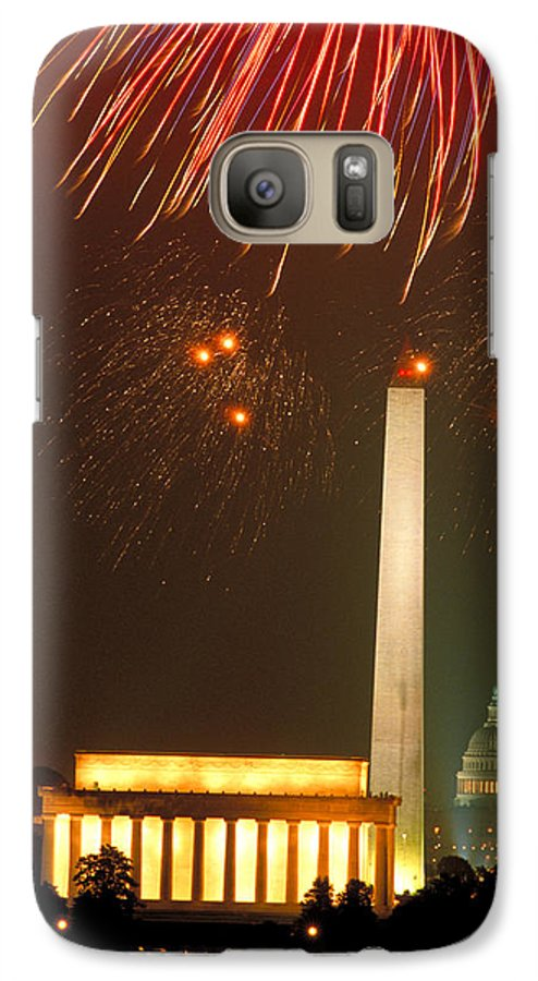 Illuminated Galaxy S7 Case featuring the photograph Fireworks Over Washington Dc Mall by Carl Purcell