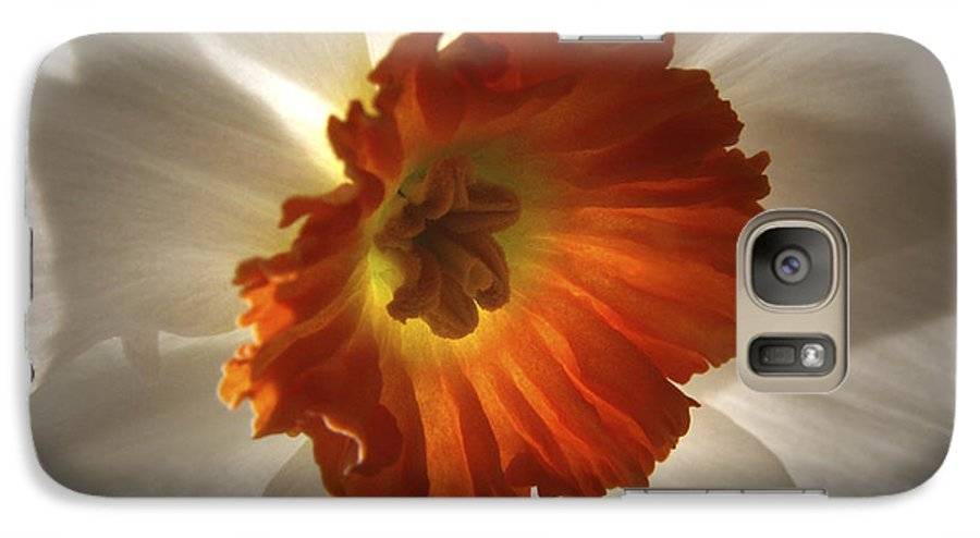 Flowers Galaxy S7 Case featuring the photograph Flower Narcissus by Nancy Griswold