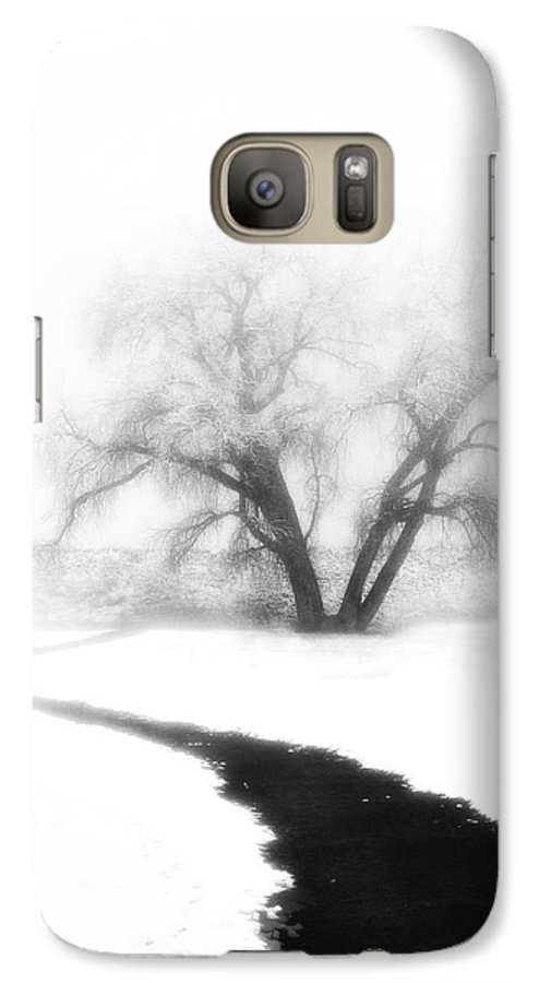 Tree Galaxy S7 Case featuring the photograph Getting There by Marilyn Hunt