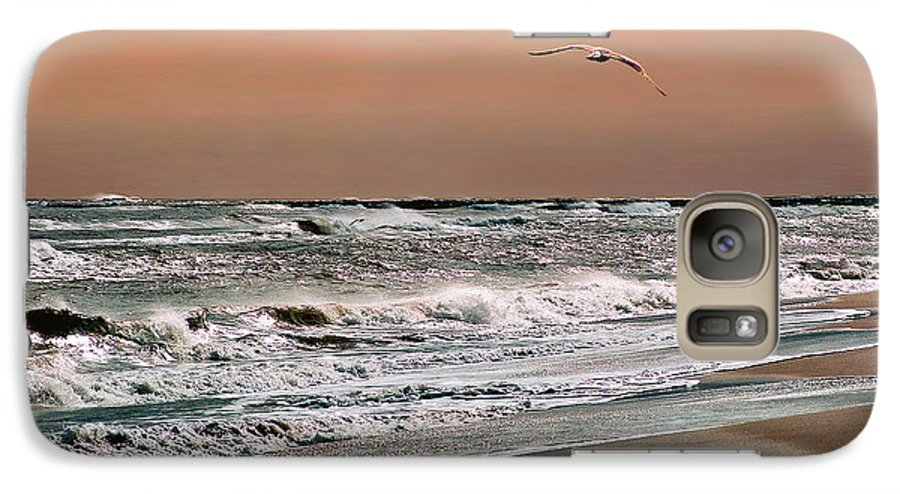 Seascape Galaxy S7 Case featuring the photograph Golden Shore by Steve Karol