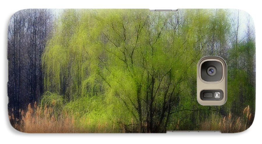 Scenic Art Galaxy S7 Case featuring the photograph Green Tree by Linda Sannuti