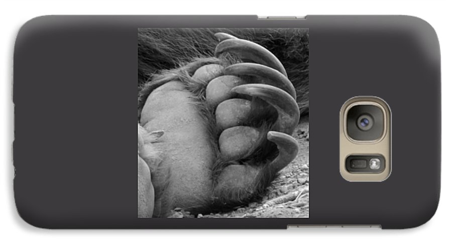 Grizzly Bear Galaxy S7 Case featuring the photograph Grizzly Claws by Tiffany Vest