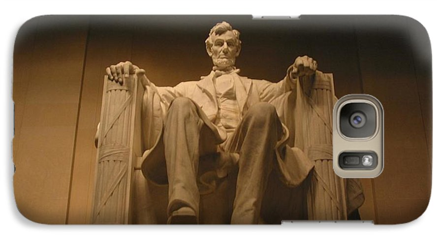 Abraham Lincoln Galaxy S7 Case featuring the photograph Lincoln Memorial by Brian McDunn