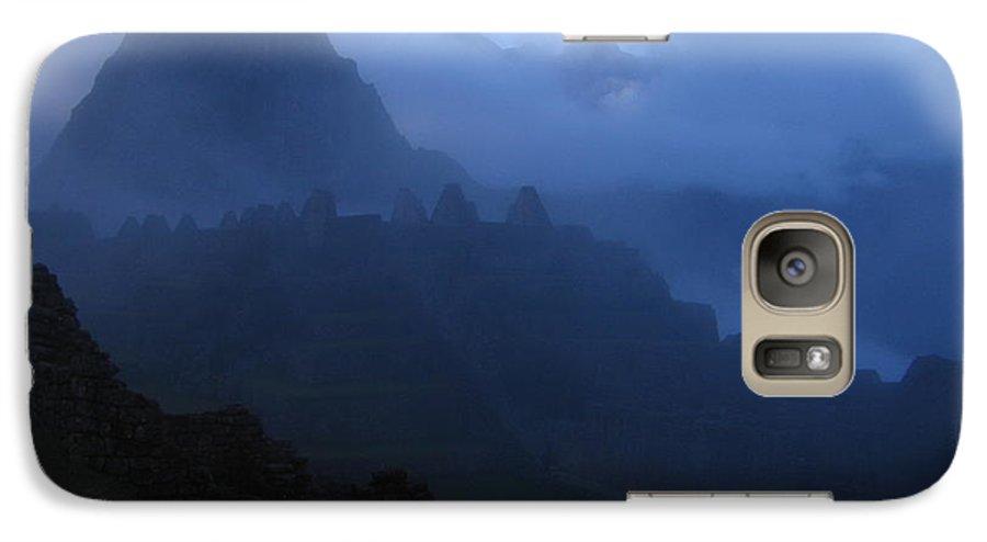 Landscape Galaxy S7 Case featuring the photograph Machu Picchu Dawn by Sam Oppenheim