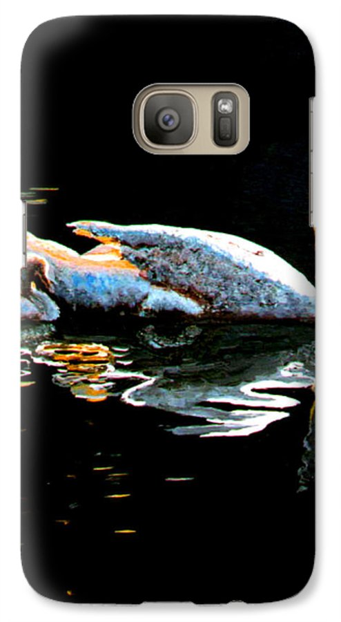 Swan Galaxy S7 Case featuring the painting Mom And Baby Swan by Stan Hamilton