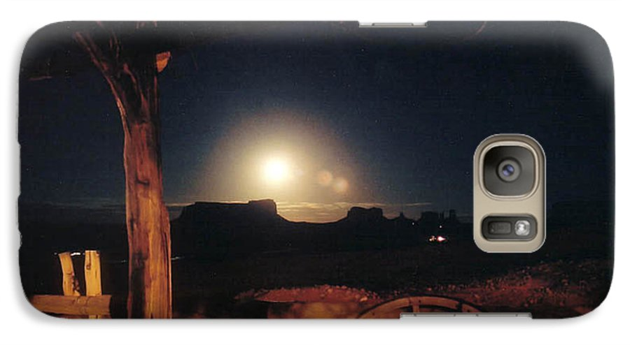Landscape Galaxy S7 Case featuring the photograph Monument Moonrise by Cathy Franklin