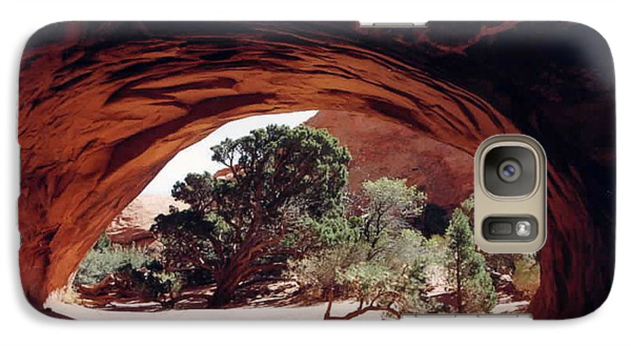 Utah Galaxy S7 Case featuring the photograph Navajo Arch by Kathy Schumann