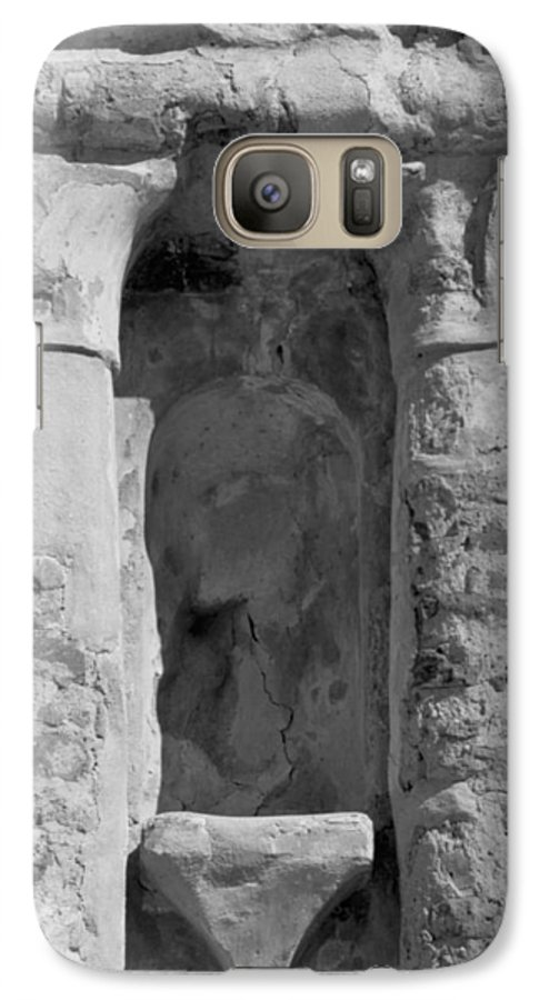 Niche Galaxy S7 Case featuring the photograph Niche by Kathy McClure