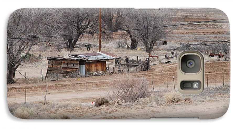 House Galaxy S7 Case featuring the photograph Old Ranch House by Rob Hans