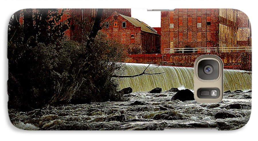 Water Galaxy S7 Case featuring the photograph Old River Dam In Columbus Georgia by Ruben Flanagan