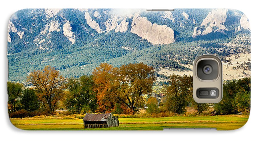 Rural Galaxy S7 Case featuring the photograph Old Shed by Marilyn Hunt