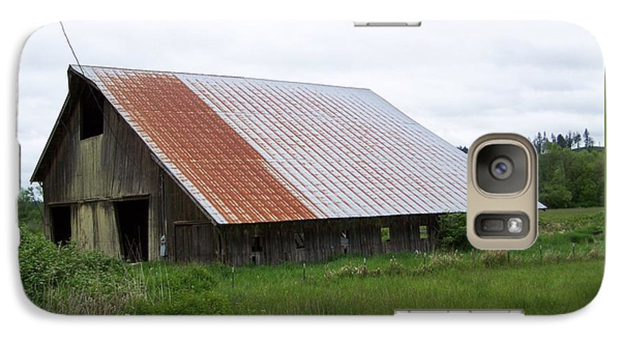 Barn Galaxy S7 Case featuring the photograph Old Tin Roof Barn Washington State by Laurie Kidd