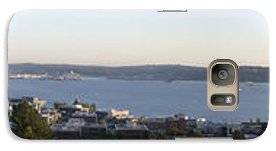 Panoramic Galaxy S7 Case featuring the photograph Panoramic Of Seattle by Larry Keahey