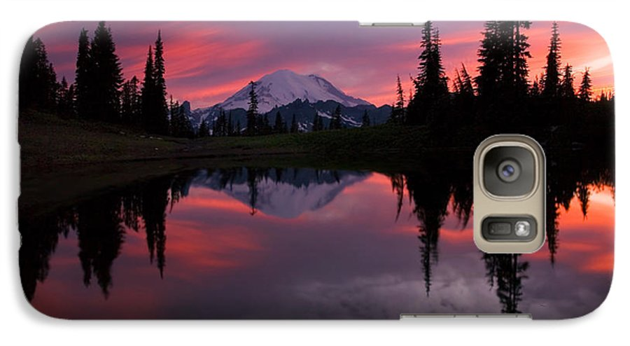 Rainier Galaxy S7 Case featuring the photograph Red Sky At Night by Mike Dawson