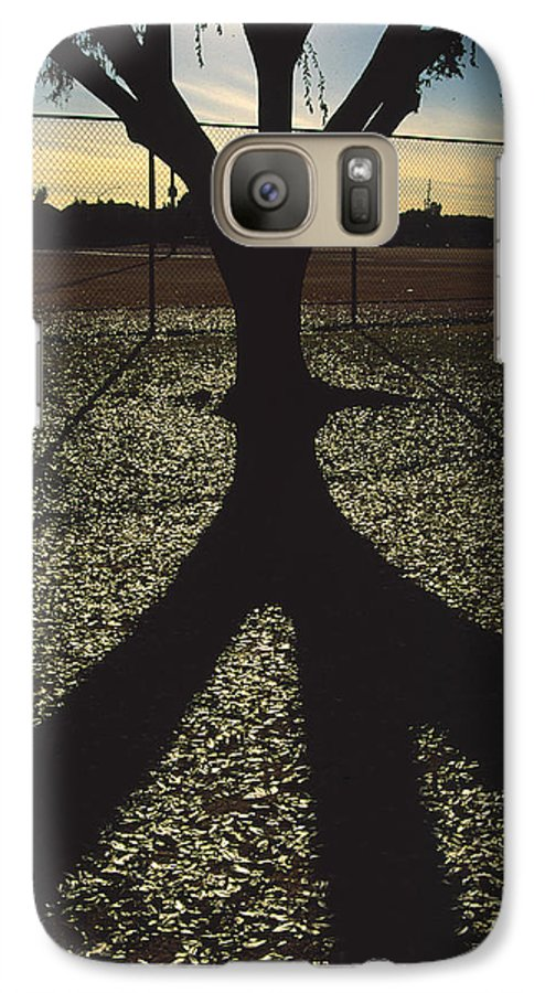 Tree Galaxy S7 Case featuring the photograph Reflections In A Park by Randy Oberg