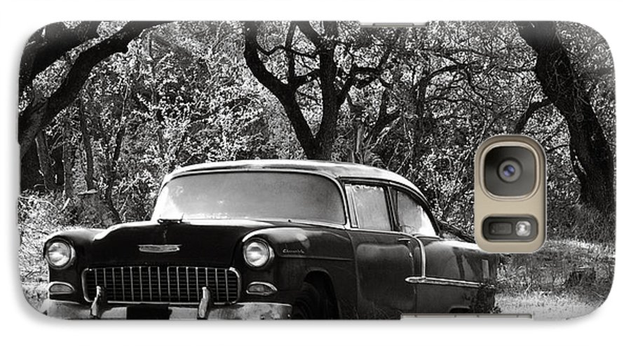 Americana Galaxy S7 Case featuring the photograph Resting Amongst The Oaks by Marilyn Hunt