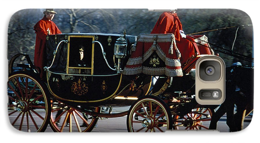 Coach Galaxy S7 Case featuring the photograph Royal Carriage In London by Carl Purcell