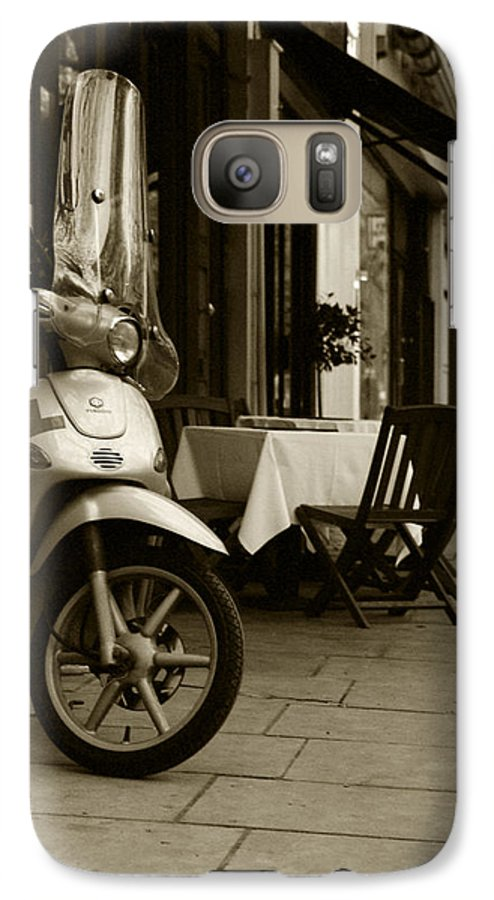 Scooter Galaxy S7 Case featuring the photograph Scooter Cafe by Ayesha Lakes