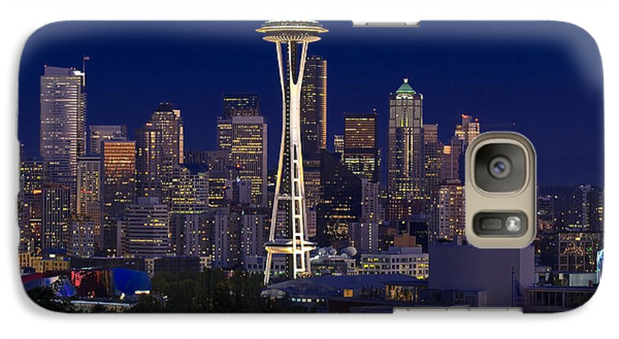 Seattle Galaxy S7 Case featuring the photograph Seattle At Night by Larry Keahey