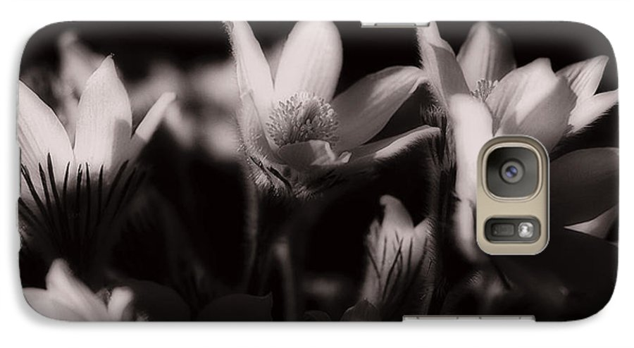 Flowers Galaxy S7 Case featuring the photograph Sleepy Flowers by Marilyn Hunt