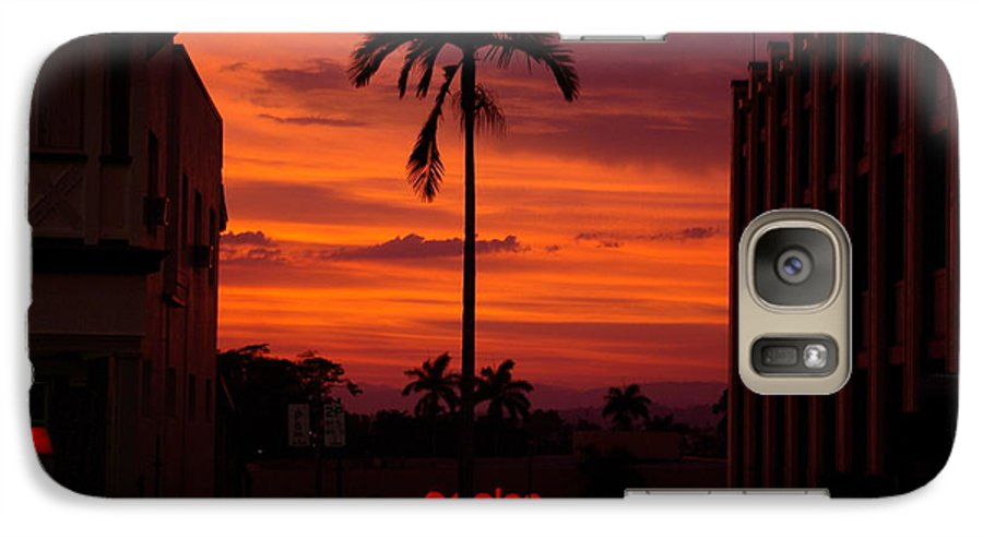 Innisfail Galaxy S7 Case featuring the photograph Solitary Passage by Kerryn Madsen- Pietsch