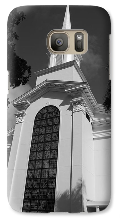 Architecture Galaxy S7 Case featuring the photograph Thats Church by Rob Hans