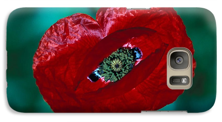 Bright; Red; Green; Brilliant; Flower; Flora; Close-up; Eye; Nature; Opium; Sleep; Death; Hypnotic; Magic; Wizard; Dorothy; France Galaxy S7 Case featuring the photograph The Opiate Of Desire by Carl Purcell