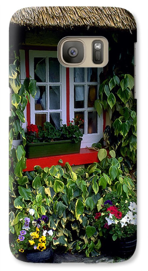 Ivy Galaxy S7 Case featuring the photograph The Perfect Cottage by Carl Purcell