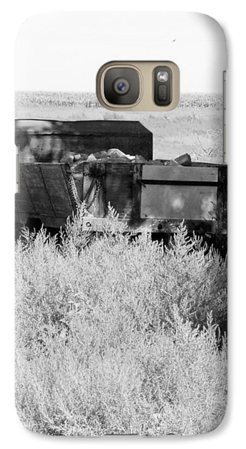 Farm Galaxy S7 Case featuring the photograph Trash Truck by Margaret Fortunato