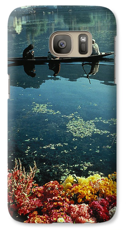 Boats Galaxy S7 Case featuring the photograph Vale Of Kashmir by Carl Purcell