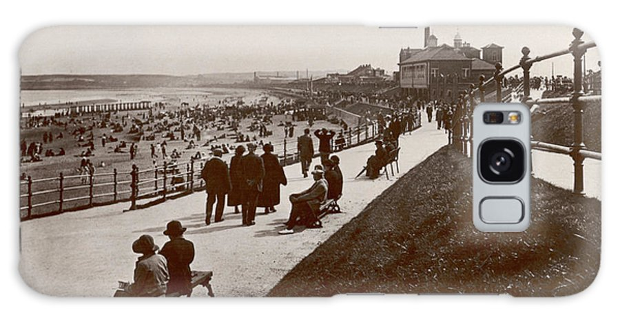 Aberdeen Galaxy S8 Case featuring the photograph Aberdeen Beach And Bathing Station by Mary Evans Picture Library