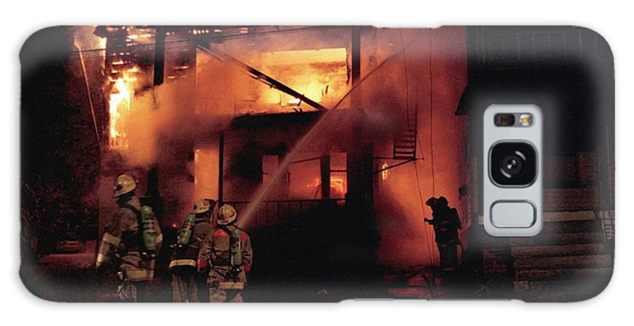 Fire Galaxy S8 Case featuring the photograph 071506-4 Cleveland Firefighters On The Job by Mike Davis