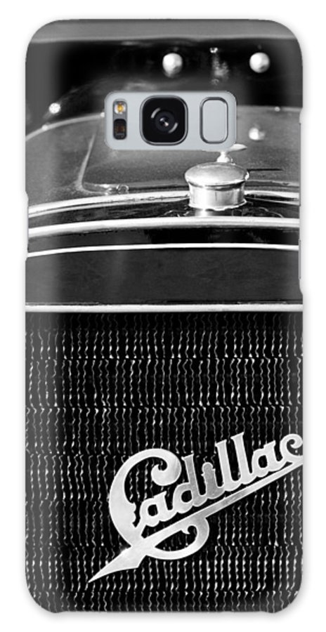 1907 Cadillac Model M Touring Grille Emblem Galaxy S8 Case featuring the photograph 1907 Cadillac Model M Touring Grille Emblem by Jill Reger