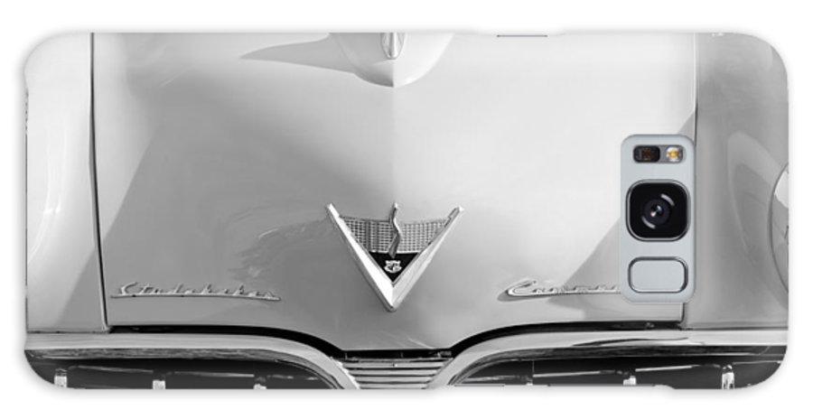 1953 Studebaker Emblem Galaxy S8 Case featuring the photograph 1953 Studebaker Emblem by Jill Reger