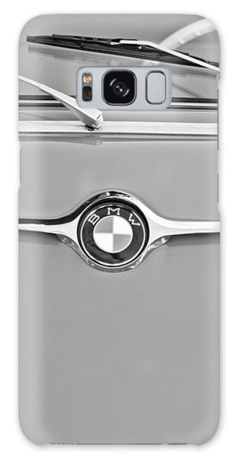 1959 Bmw 600 Isetta Hood Emblem Galaxy S8 Case featuring the photograph 1959 Bmw 600 Isetta Hood Emblem by Jill Reger