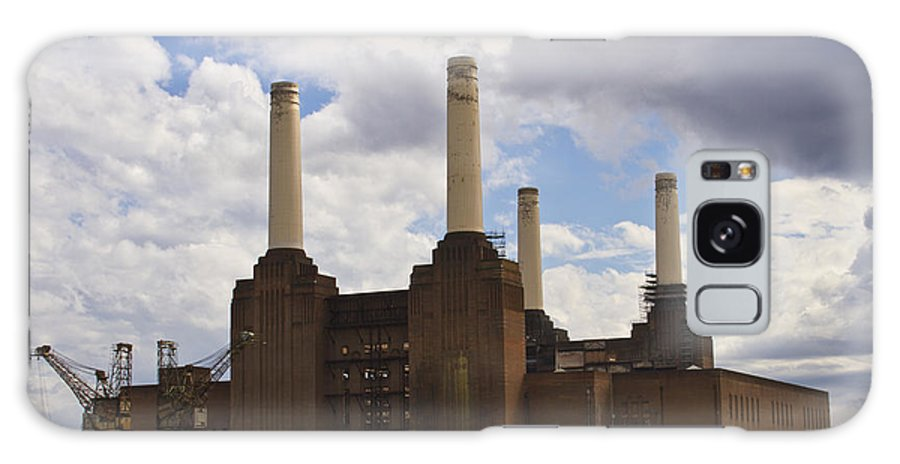 Battersea Power Station Galaxy S8 Case featuring the photograph Battersea Power Station London by David French