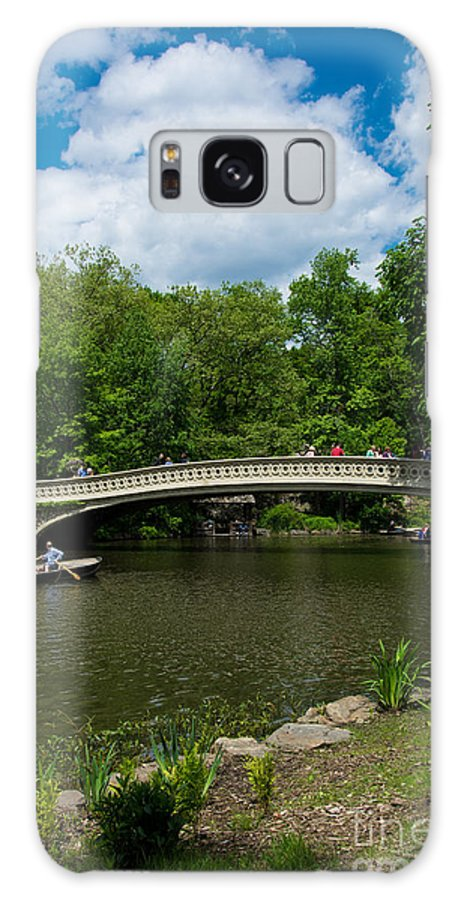 Boat Galaxy S8 Case featuring the photograph Bow Bridge Central Park by Amy Cicconi