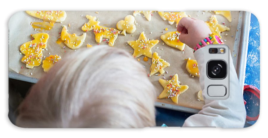 Bakery Galaxy S8 Case featuring the photograph Children Baking Christmas Cookies by Frank Gaertner