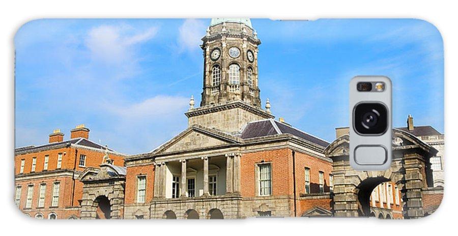 Tower Galaxy S8 Case featuring the photograph Dublin Castle by Artur Bogacki