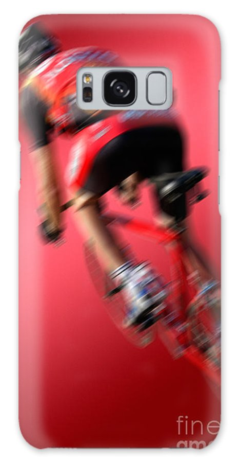 Rot Galaxy S8 Case featuring the photograph Dynamic Racing Cycle by Juergen Ritterbach