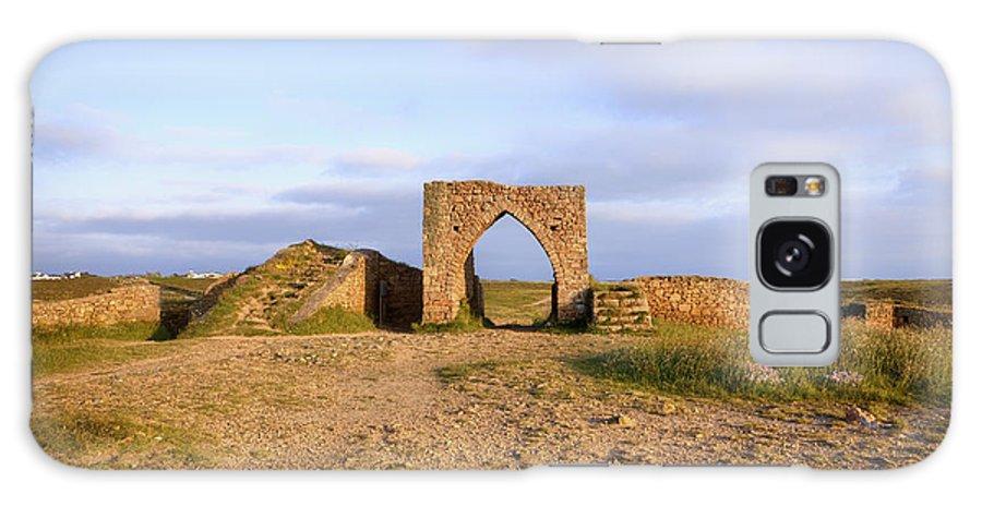 Grosnez Castle Galaxy S8 Case featuring the photograph Grosnez Castle - Jersey by Joana Kruse